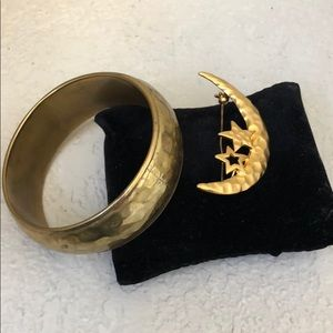 Jewelry - Bangle and Brooch set